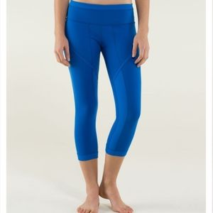 Lululemon Roll Out Crop Baroque Blue 4